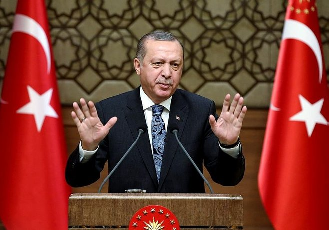 """""""Türkiye'nin yanında olmayan karşısındadır"""""""