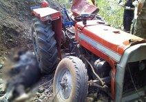 Eski belediye başkanı traktörünün altında öldü