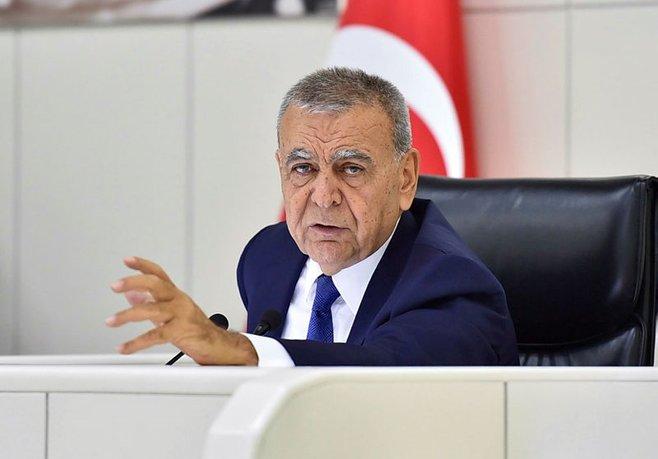 İzmir Büyükşehir meclisinde gerginlik