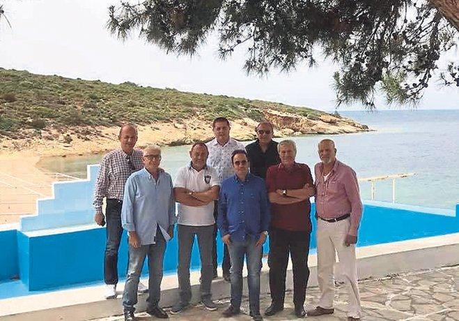 Divan Kurulu'nun da desteği alan Karşıyaka'da Başkan Mutlu Altuğ yönetimini güçlendirmek için çalışmalarını yoğunlaştırdı.