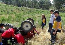 Karı koca traktör kazasında öldü