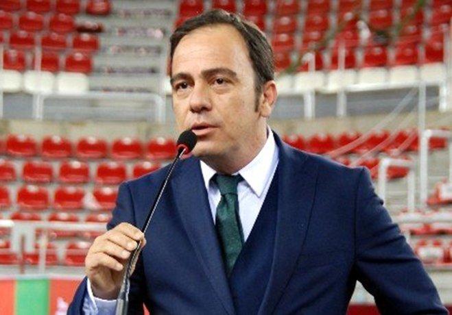 Karşıyaka Başkanı Mutlu Altuğ, Göztepe'ye daha fazla destek verildiğini öne sürüp duruma tepki gösterdi.