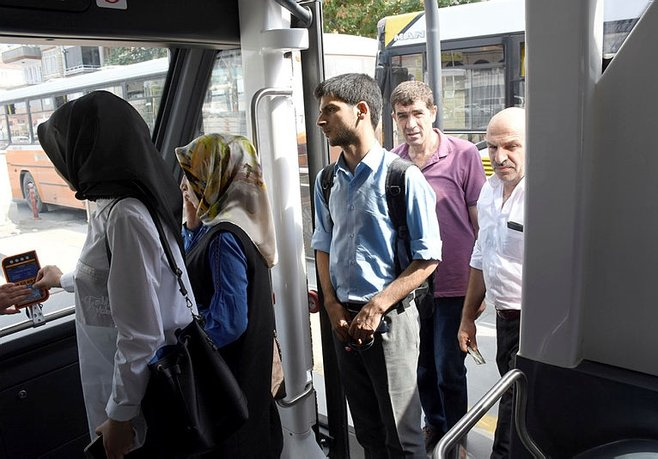 Bu otobüse erkekler alınmadı