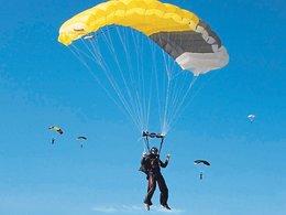 Paraşütçüler rekora çalışıyor