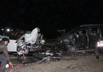 Manisada kaza: 2 ölü, 11 yaralı