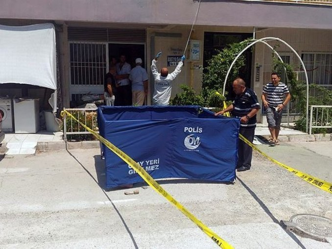 İzmirde cinayet ve intihar