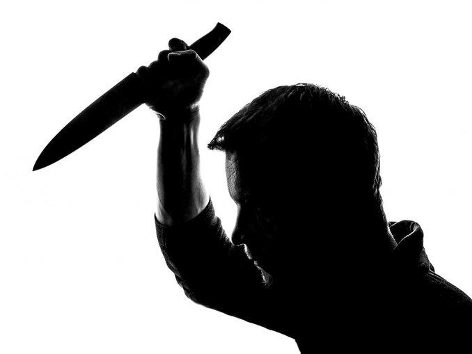 Şizofren komşu, karı- kocayı bıçakla öldürdü