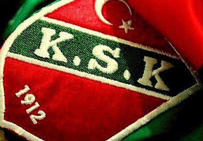 Yeni bir yapılanmaya giderek kulübü profesyonel yöneticilere emanet etmeyi planlayan Karşıyaka Başkanı Mutlu Altuğ'un başdanışmanlık görevine Göztepe'den ayrılan Tunç Kökbuğur'u getirileceği gündeme geldi.