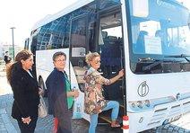 Büyükşehir'in vermediği otobüsü hastane verdi