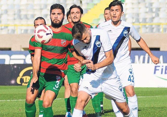 Karşıyaka'da zorlu Tokatspor maçı öncesi savunma oyuncusu Cenk Özbey'in sakatlanması şok etkisi yarattı.