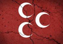 MHP İzmirde 11 istifa