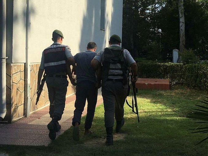 İzmirde aranan 251 kişi yakalandı