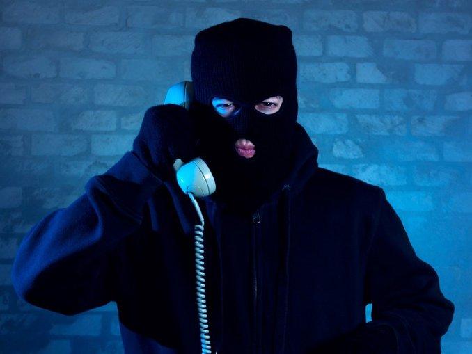 Telefon dolandırıcılarına suçüstü