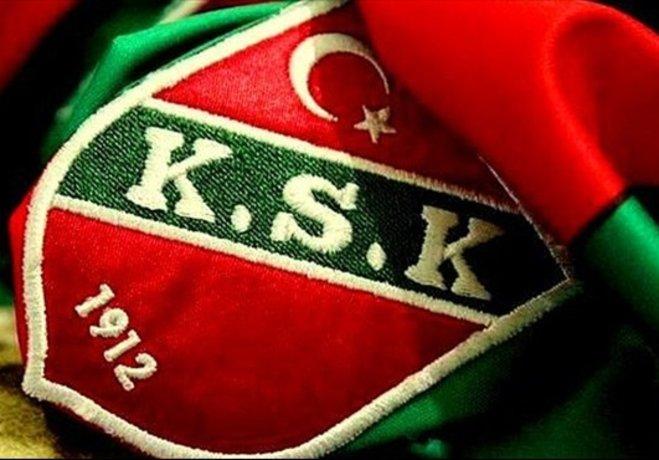 Geçen sezon 32 maçta görev yapan Cenk'in Şanlıurfa'ya transfer olması Karşıyaka savunmasını sıkıntıya soktu.