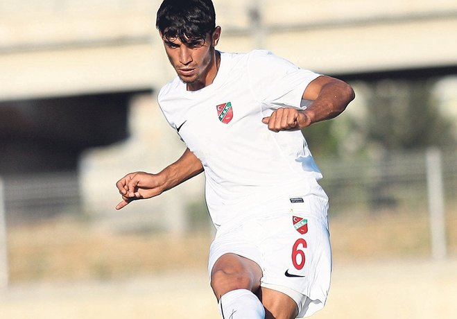 Hazırlık maçlarında 2 gol atan genç Harun, teknik heyetin beğenisini topladı.