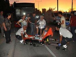 İzmirde tır belediye otobüsüne çarptı