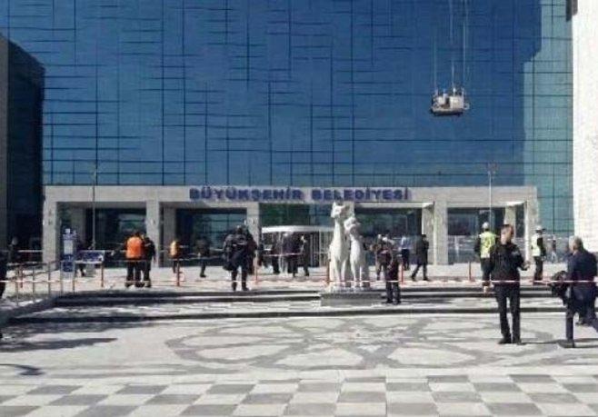Belediyelerde FETÖ temizliği
