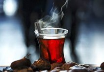 Aşırı sıcak çaya dikkat!