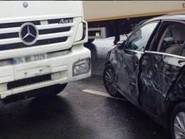 Esra Erol trafik kazası geçirdi