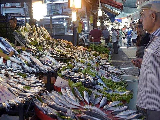 Balıkçı tekneleri demir alabilince fiyatlar düştü